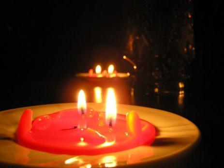 Приворот на 2 свечи