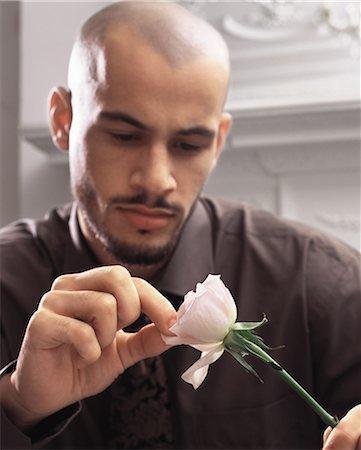 Как узнать что мужчина тебя любит