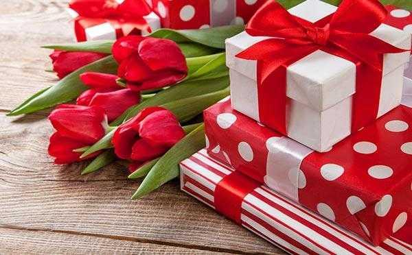 У меня День Рождения! Принимаю поздравления и дарю подарки :)